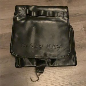 Mary Kay makeup cattier